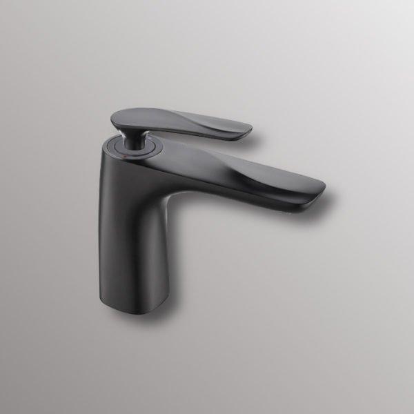bath sink faucet in black