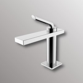 bathroom faucet in chrome