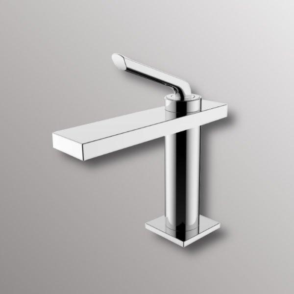 bathroom faucet in chrome