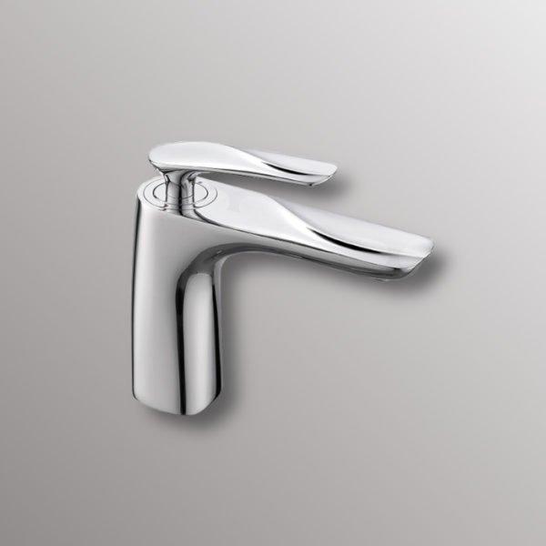 bath sink faucet in chrome