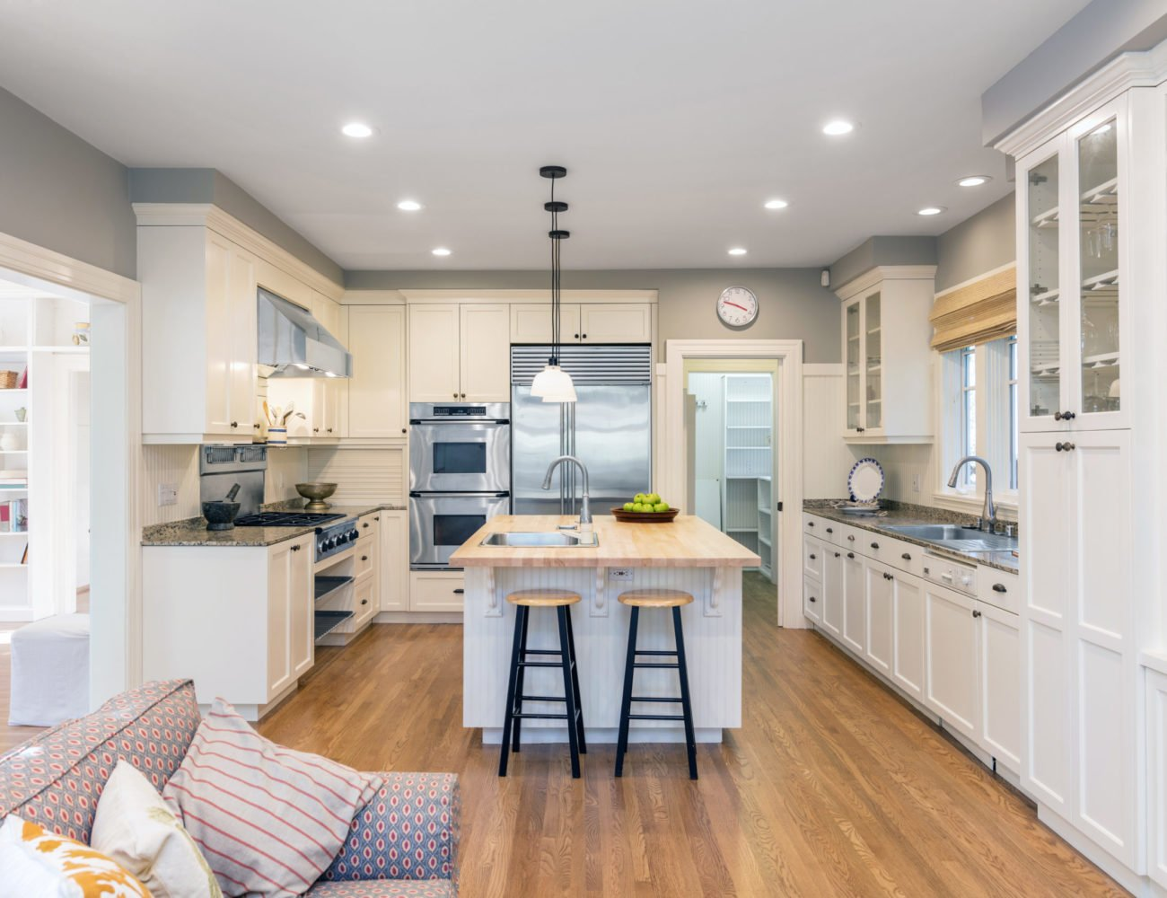 Modern Kitchen Design in Wilmette at Fusion Home Corp.