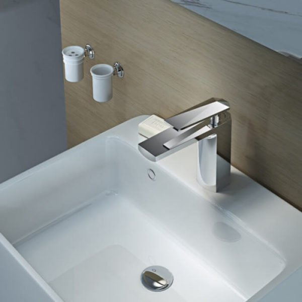 water faucet for bathroom in chrome